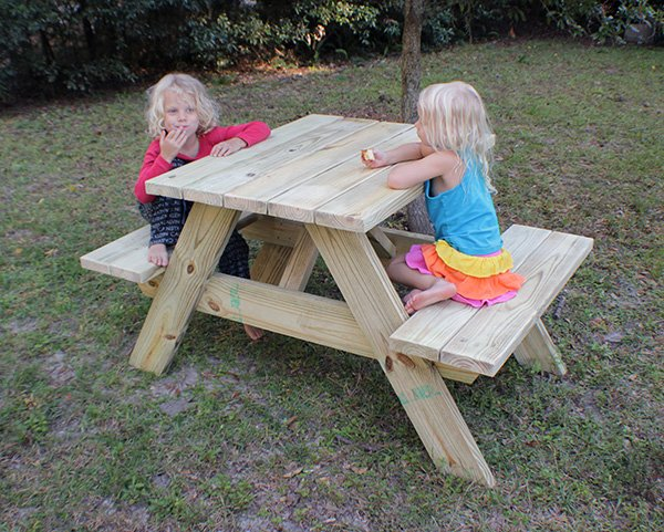How to make a picnic table for two i like to make stuff for Flip top picnic table plans